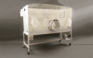 Breeder Isolator for gnotobiotic mice and rodents.